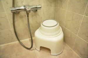 シャワーの水が止まらない!原因と対処方法は?