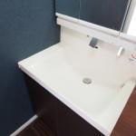 洗面所から水が漏れている!三大箇所の原因と修理方法